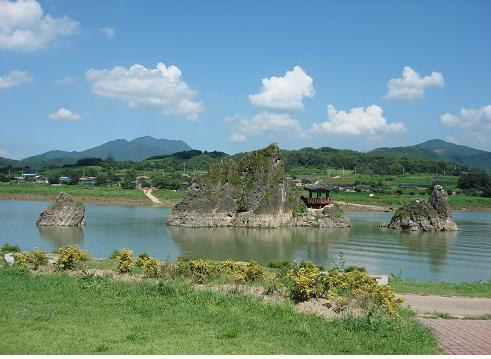 Dodamsambong Peaks, Danyang