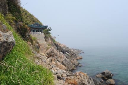 양양 낙산사 의상대와 홍련암 (촬영:문화재청)