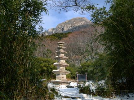 만일암지오층석탑(천년수)