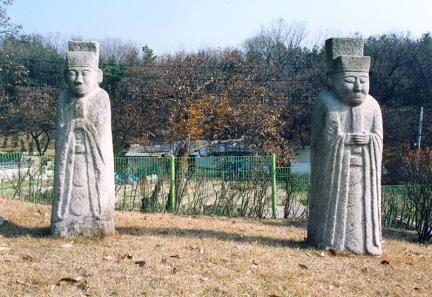 양효안공신도비부묘소좌측문인석