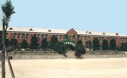 창영초등학교교사전경