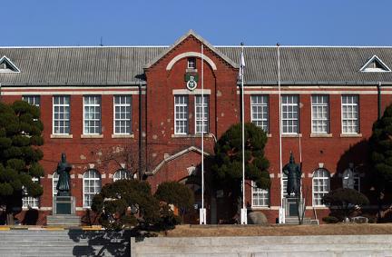 창영초등학교본관동