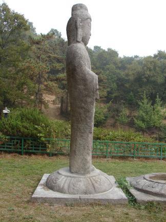 안성죽산리석불입상(좌측)