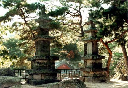 용암사쌍석탑