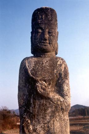 괴산남하리석조미륵보살입상