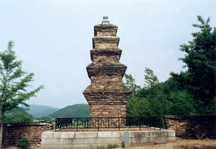 현이동모전오층석탑
