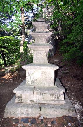 은해사중암암상층석탑