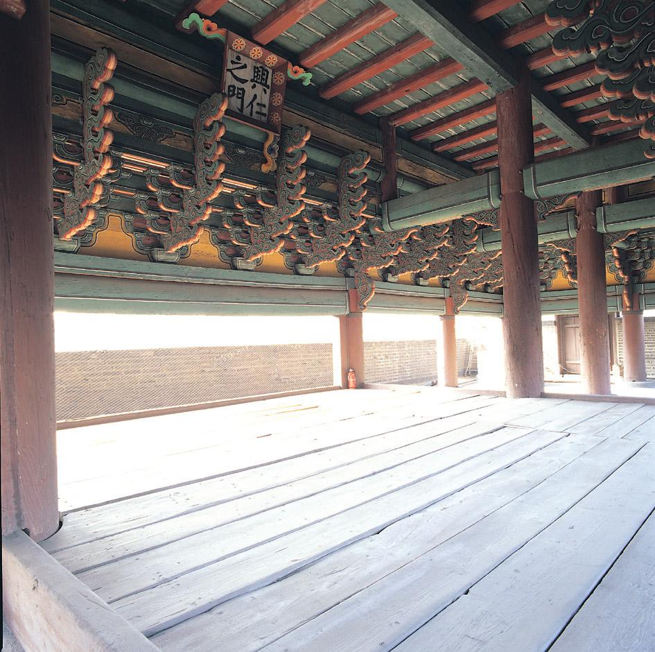 서울 흥인지문 하층누각 내부