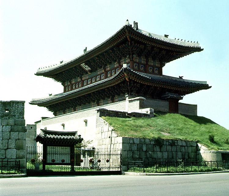 서울 흥인지문 근접사진