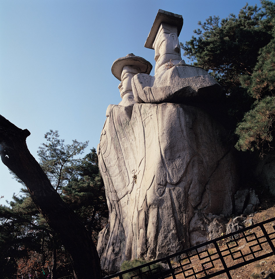 Two Rock-carved Standing Buddhas in Yongmi-ri, Paju