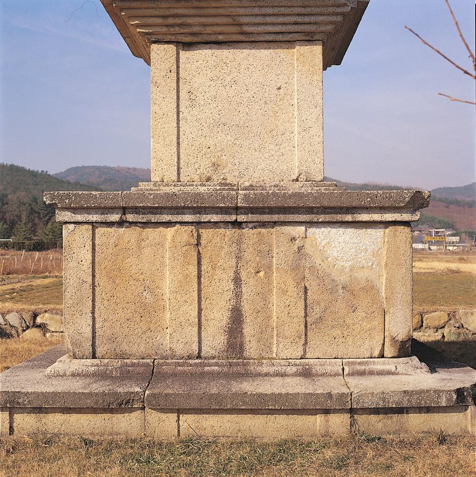 동탑 기단부(상·하층기단)