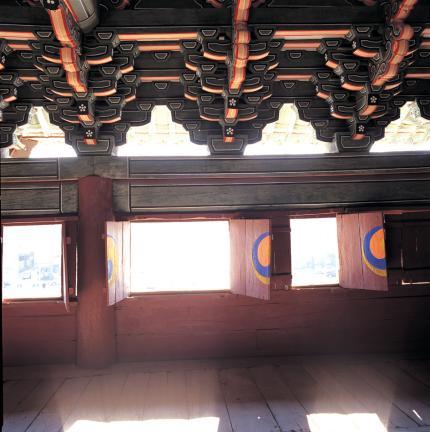창덕궁 돈화문 상층 판문 및 내부 공포