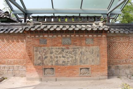 자경전 십장생굴뚝(2011촬영, 문화재청)