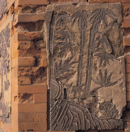 굴뚝 벽의 대나무 무늬