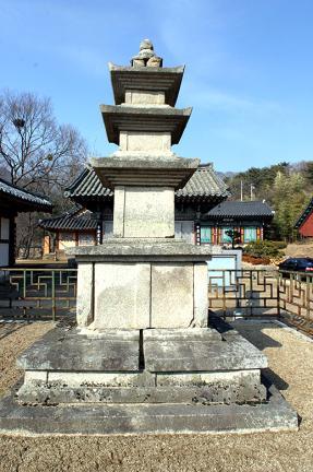 동화사비로암삼층석탑