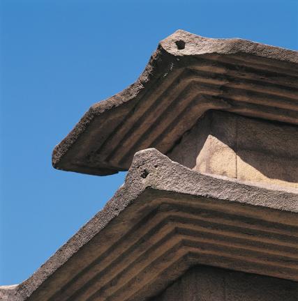 옥개석 모서리