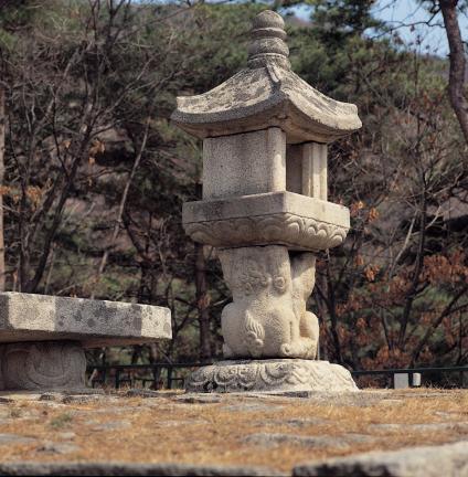 양주 회암사지 무학대사탑 앞 쌍사자 석등 전경