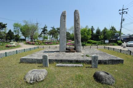춘천 근화동 당간지주(촬영:문화재청)