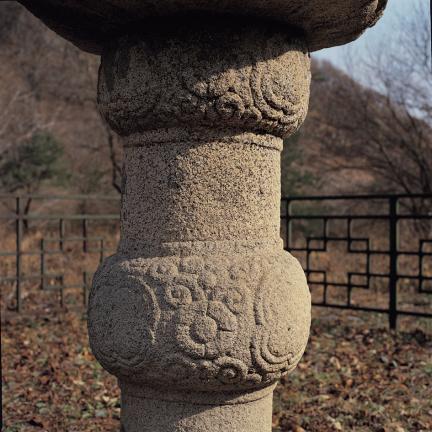 북 모양을 이룬 석등 간주석