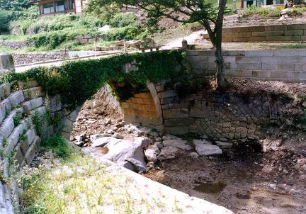 능파교와 날개벽(하류쪽 북측)