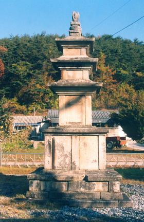 단양 향산리 삼층석탑