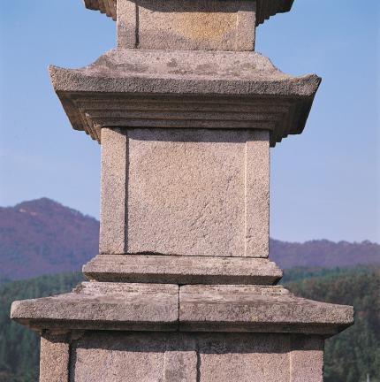 초층탑신과 옥개석