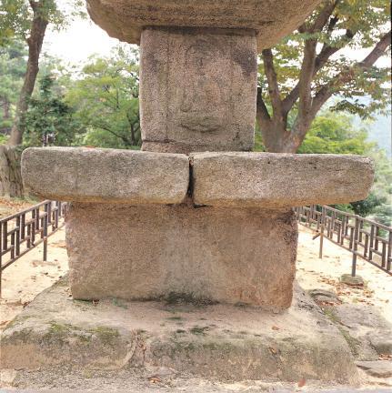 기단부와 1층탑신석