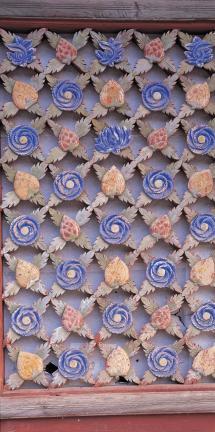 쌍계사 대웅전 꽃무늬 문살(왼쪽)