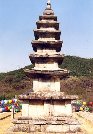 금산사오층석탑(정면)