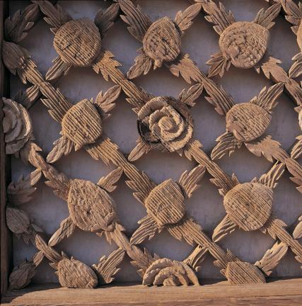 내소사 대웅보전 꽃무늬 문살(중앙)