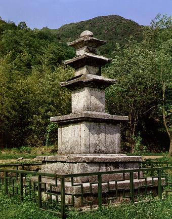 구례 연곡사 삼층석탑