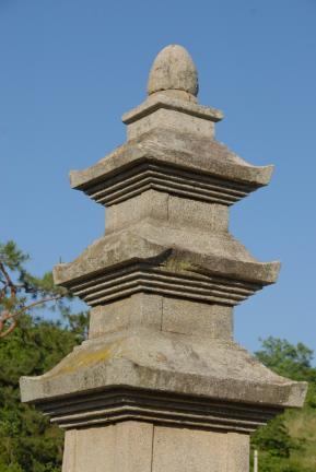 영광신천리삼층석탑