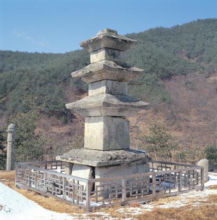 구례 논곡리삼층석탑