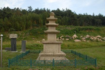 천관사삼층석탑 전경