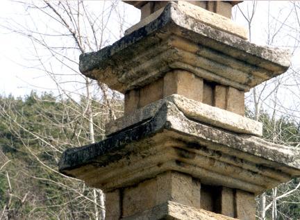 곡성가곡리오층석탑(탑신과옥개석)