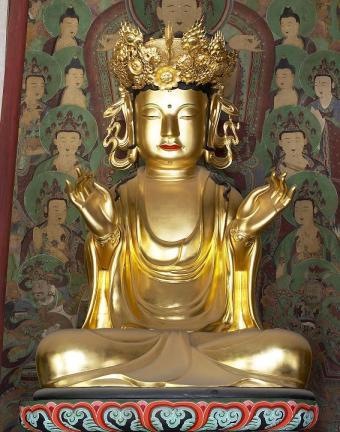 보물 제1548호 구례 화엄사 목조비로자나삼신불좌상(노사나)