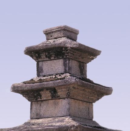 동탑 탑신부