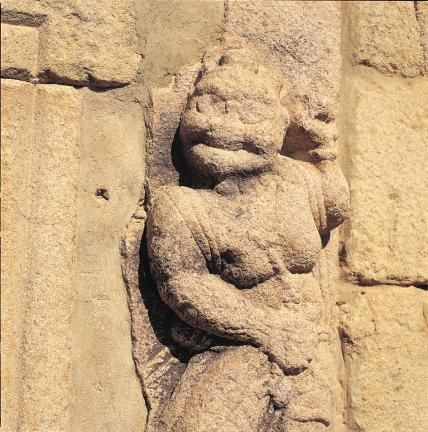 초층탑신 인왕상 세부(향우상)