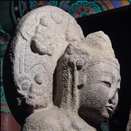 우협시보살상 머리 및 광배(우측면 향)