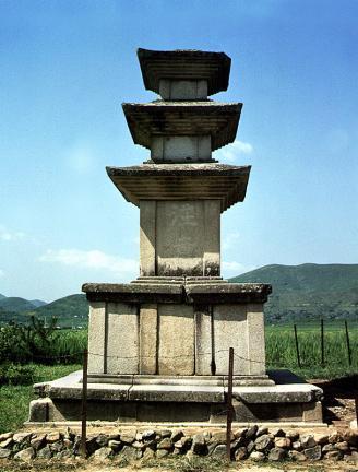 청도 봉기리 삼층석탑