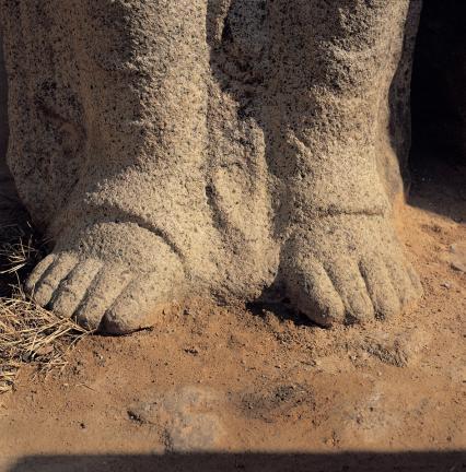 서면 좌협시보살상 발의 모습