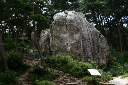 경주 남산 탑곡 마애불상군