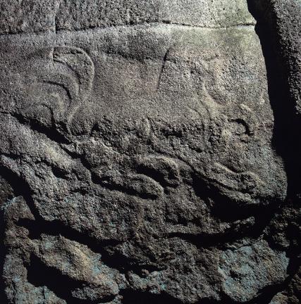 바위 북면 쌍탑조각 아래쪽의 동물 조각상 2