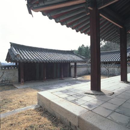 도산서원 상덕사 정문