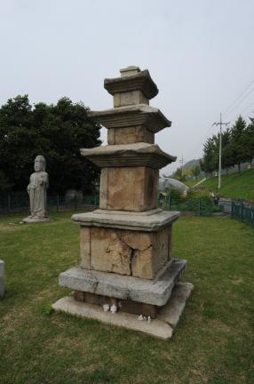 예천 동본리 삼층석탑