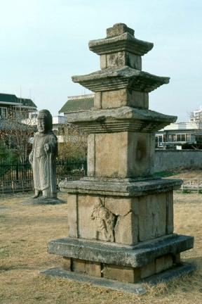 예천동본동삼층석탑