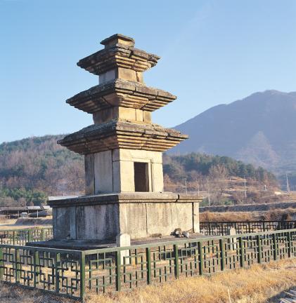 구미 낙산리 삼층석탑