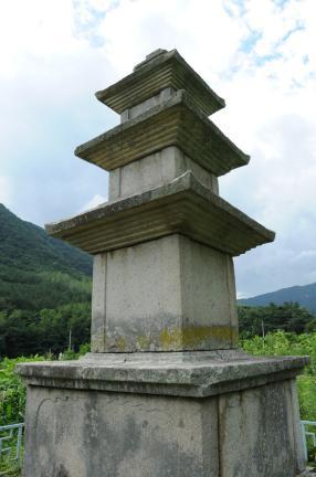 칠곡 기성리 삼층석탑 (촬영:문화재청)