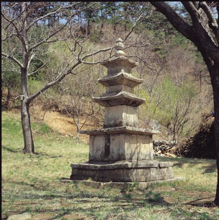 영덕 유금사 삼층석탑