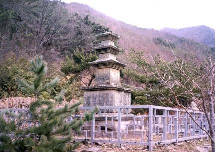 영천 화남리 삼층석탑(복원후)